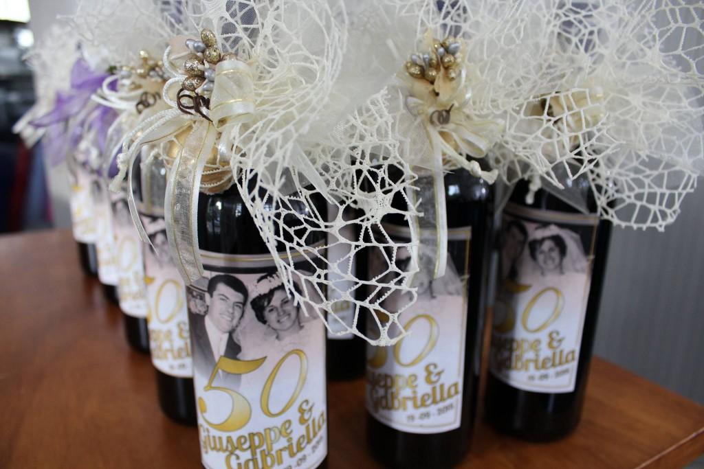 bomboniera con bottiglia di vino - NonSoloCerimonie.it