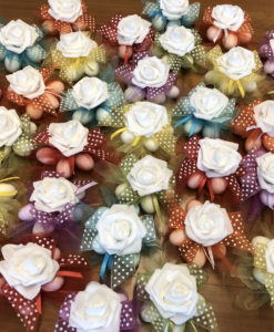 Bomboniera Coccarda Fiore Lattice Color 100 - NonSoloCerimonie.it